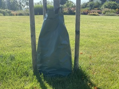 SLOW RELEASE WATERING BAG FOR TREES